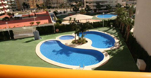 Apartamento 1 Dormitorio Playa Levante, en Calpe.. Newly built apartment building, located just a few metres from Levante Beach.