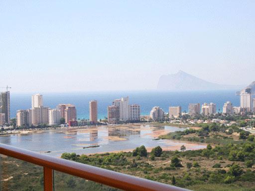 Ático dúplex con vistas increíbles, en la playa de Levante, en Calpe.
