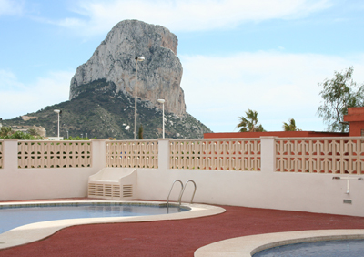 Apartment with two bedrooms, located on the Arenal beach between the harbour and the centre of Calpe, unbeatable location.