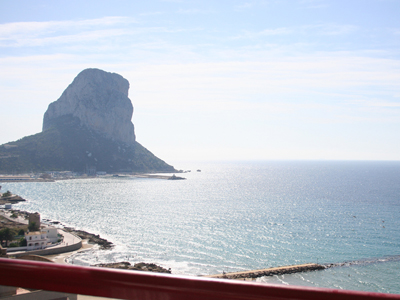 Apartment with one bedroom, located on Arenal Beach, between the harbour and Calpe